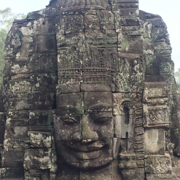 Sur les traces de l'histoire khmère