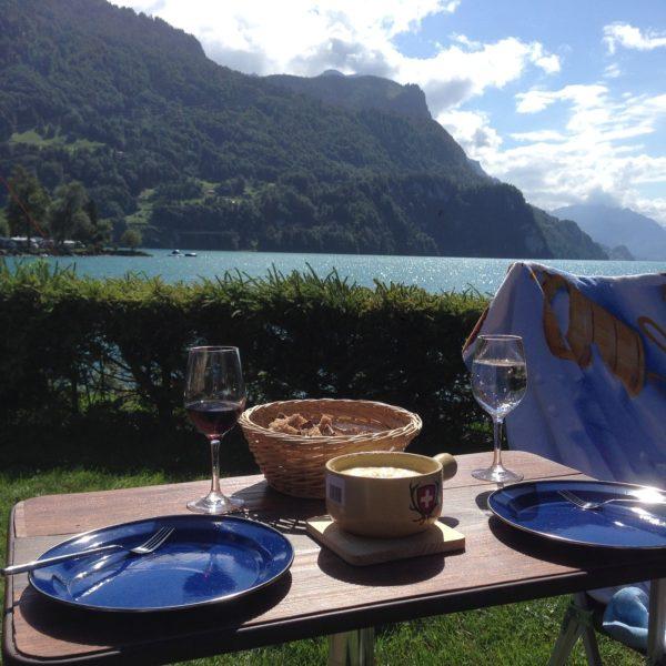 Vacances en camping : quel type de location au Lac Léman ?